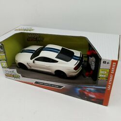 Maisto Tech Rc Ford Shelby GT350 1:24 Street Series $39.99