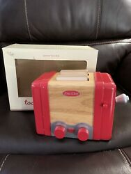POTTERY BARN KIDS Retro Kitchen Red Wooden Toaster WITH TOAST PIECES in Box $48.00