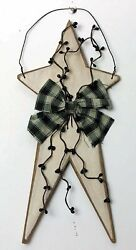Country rustic primitive WHITE wood star berries Pip BerrY Home Decor sign $6.29