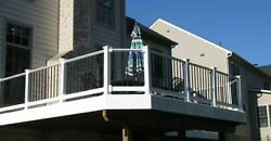 RDI QX Vinyl Railing w Powder Coated Metal Balusters - 6' section