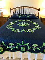 Vintage Dutch Country Quilt - appliqued and quilted by hand