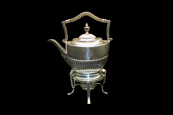Antique Sterling Silver Tea Kettle by Gold & Silversmiths Company London 1911
