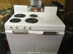 VINTAGE STOVE 1950#x27;s FRIGIDAIRE by General Motors made in the USA $299.00