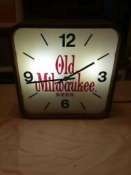 *** Old Milwaukee Light Beer Bar Man Cave she shed  Wall Clock Sign 1980's