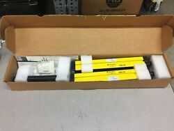 NEW IN BOX ALLEN BRADLEY GUARD MASTER LIGHT CURTAIN SET 440L-P4D0300-N