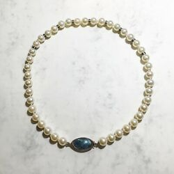 Necklace made of 18kt white gold cultive pearls & enamel