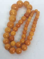 Nice Vtg Egg Yolk Amber butterstoch Beads necklace 50 G  Need Restrung