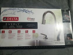 DELTA Everly Single-Handle Pull-Down Sprayer Stainless Kitchen Faucet w Soap