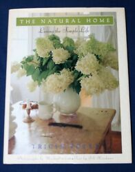 THE NATURAL HOME LIVING THE SIMPLE LIFE TRICIA FOLEY $7.99