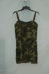 KENDALL KYLIE DRESS WITH BOTTOM DETAIL CAMO MEDIUM