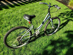 Raleigh Ladies 6 speed small frame 26quot;wheels slightly used cash or PayPal $199.00