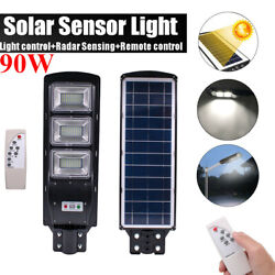 Outdoor Commercial 90W LED Solar Street Light IP67 Dusk to Dawn PIR Sensor Lamp
