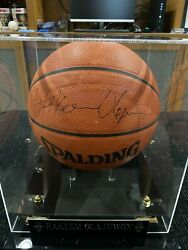 HAKEEM OLAJUWON AUTOGRAPHED SPALDING OFFICIAL BASKETBALL WITH CASE BECKETT COA $400.00