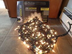 Christmas 200 outdoor clear commercial lights 82.9 length GE orig box works