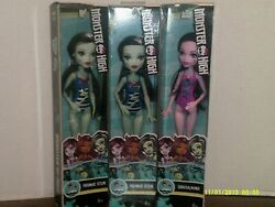 New Monster High Swimsuit Dolls 2017 2 Frankie Stein 1 Draculaura $22.00
