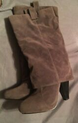 Brenda By Bamboo Mid Calf Boot Grey Faux Suede Skirted Womens Size 8 $16.00