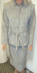 BEGED-OR    Saks fifth avenue Grey Suede suit 1970's