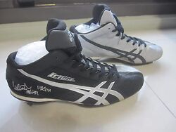 ICHIRO Yankees 2013 Game Used Signed Auto Autograph #31 Asics Cleats