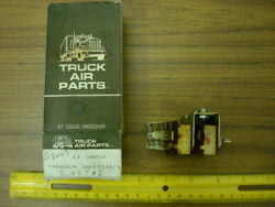 Truck Air Parts 12V Tandem Switch 11 3052 *NOS* $9.99