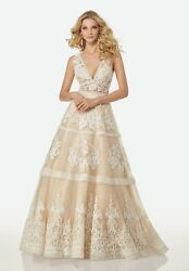 Wedding Dress - Brand New - Randy Fenoli - Spring 2018 - Never Worn - Ivory