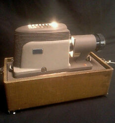 Vintage Argus 200 Portable Slide Projector Viewer with Case-EUC