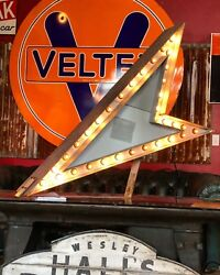 Vintage original 1950's ARROW sign   2-sided with chase lights excellent cond