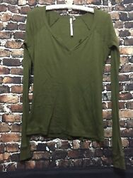 Out From Under Women#x27;s Urban Outfitter Green Top Size L $12.00