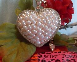 BETSEY JOHNSON CRYSTAL AND ENAMEL PEARL INLAY HEART PENDANT CHAIN NECKLACE $24.99
