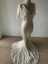 Alexander McQueen Off White Silk Satin Gown w Train - Extraordinary w Tags