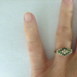 Vintage 14 Gold Emerald Diamond Triangle Pattern Ring size 6.25 3.3 grams $385.00