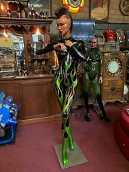 Alien Mohawk Woman Statue by So Cal AirbrushPinstriping Steve Vandemon