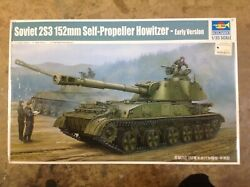 KHS - 135 TRUMPETER KIT #05543 SOVIET 2S3 152mm SELF-PROPELLED HOWITZER EARLY