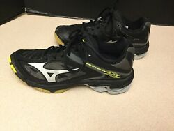 Womens Mizuno Wave Lightning Z3 Black/Silver/Yellow Volleyball Shoes. Size 8. $30.00