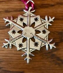 1993 Seagull Pewter Canada Snowflake w Red Hanging Cord $11.00