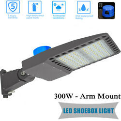 Commercial LED Parking Lot Light 300W Outdoor IP65 Shoebox Street Pole Lamp