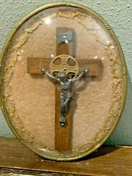 Religious Jesus Crucifix Cross In Oval Frame With Bubble Glass $12.50