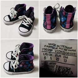 Converse All Star Toddler Girl#x27;s Size 6 Black High Tops With Stars Side Openings $16.95