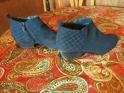 Womens boots size 8 Preowned $10.00