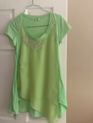 Unique Love and Liberty Lime Green T Shirt Tunic w Floral detail Sz M $8.00