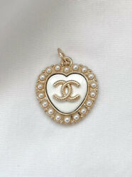CHANEL CC Heart Pearl Gold Metal Zipper Pull White Stamped $28.00