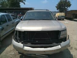 Console Front Floor With Entertainment Center Fits 07 09 AVALANCHE 1500 624226 1 $200.00