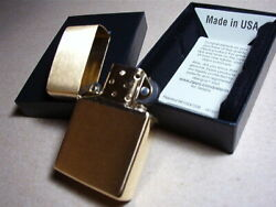 ZIPPO LIGHTER NEW CLASSIC BRUSHED BRASS WITH BRASS FINISH INSERT WITH BOX 204B $16.80