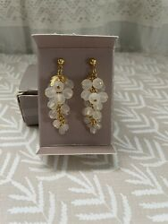 """Vintage Avon Earrings """"Frosted Grapes"""" White Gold Tone Dangle New Old Stock $7.00"""