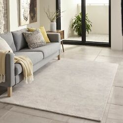 Hand-Tufted Gallery Mineral Ivory Wool Rug (5' x  7'6