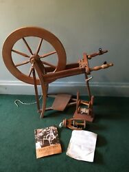 ASHFORD TRADITIONAL SPINNING WHEEL WACCESSORIES & INSTRUCTIONS & FIBER OR WOOL