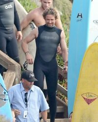 GERARD BUTLER sexy in tight surfer wetsuit candid photo #4 L176