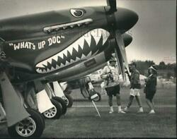 1992 Press Photo Spectators examine Flying Tigers at the EAA Fly-In - mjx78521