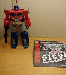 Transformers: Siege War for Cybertron Trilogy Voyager Class Optimus Prime
