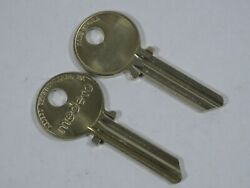 Medeco Original 2 New Commercial Key KY 105600 2 Round Bow Uncut 1515 5 Pins