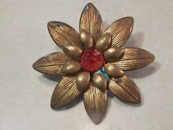 GOLDTONE FLOWER WITH RED ACRYLIC INSET BROOCH VINTAGE